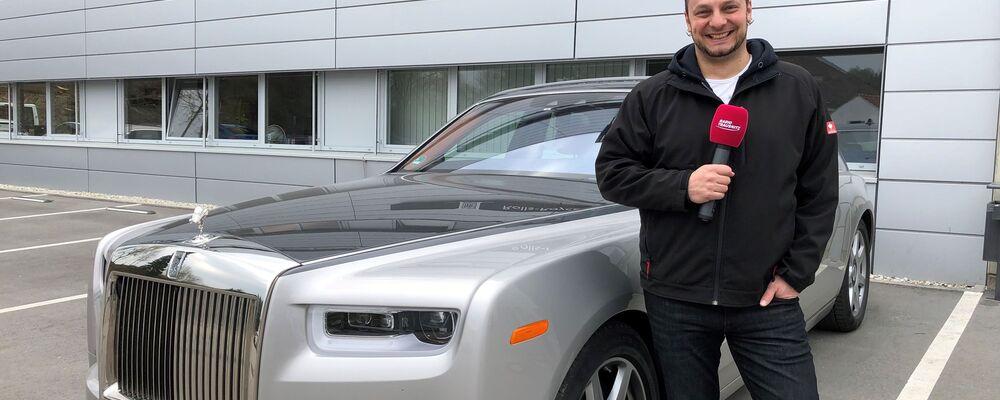 RADIO TRAUSNITZ Reporter Bernd Jungwirth bei Rolls-Royce / im BMW Werk 2.27