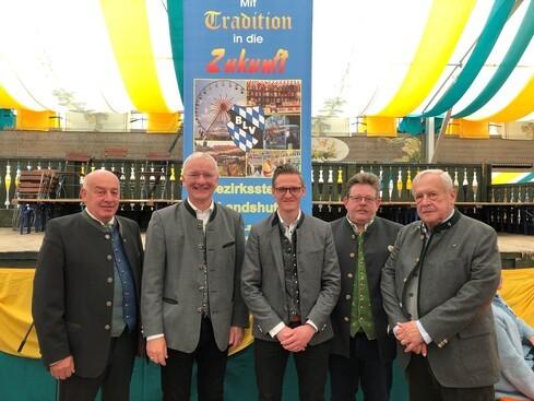 v.l.: Christian Buchner (BLV), Oberbürgermeister Alexander Putz, Benedikt Neumeier (Stadt Landshut), Horst Heppenheimer (BLV), Wenzel Bradac (Präsident BLV)